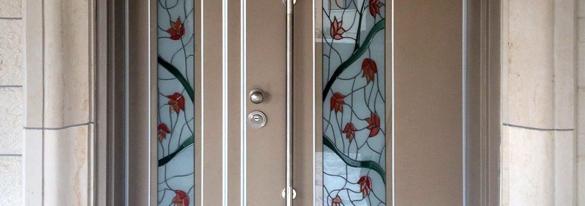 דלת פלדיניום כנף וחצי חלונות ויטראז׳