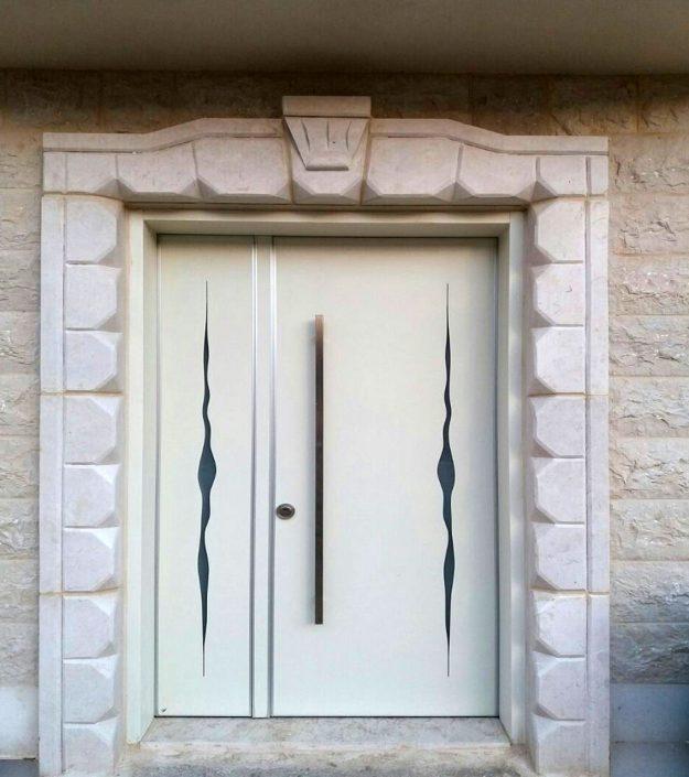 דלת כנף וחצי מסדרת פלדיניום בעיצוב מודרני חדשני