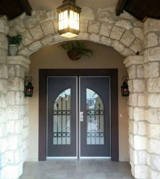 דלתות כניסה בתל אביב
