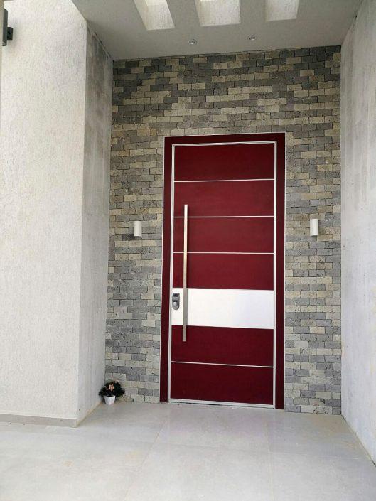 דלת כניסה פלדיניום מסדרת קו אפס